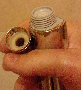 cambiare tubo doccia fase 1